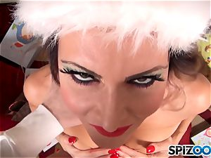 Xmas sensational with the mischievous superstar Jessica Jaymes fellating on santas yam-sized firm on
