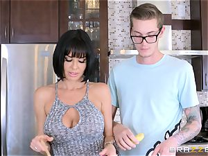 kinky mummy Veronica Avluv penetrating her sons insatiable friend