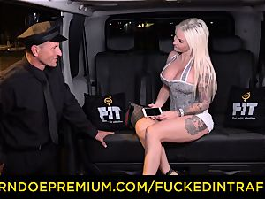 drilled IN TRAFFIC - sultry blondes car triangle penetrating