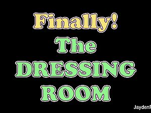 Dressing room onanism with Jayden Jaymes