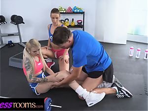 sport rooms Gym tutor threesome with 2 kinky babes
