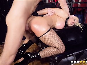 encaged well-lubed up babe Luna starlet beaten pouch deep in the caboose