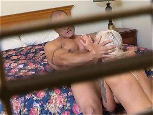 insane Nina Elle smashes her guy at the motel