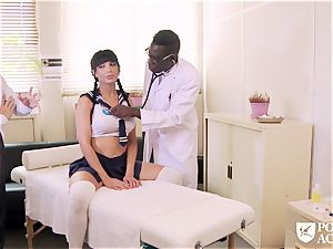 porno ACADEMIE - interracial threesome with college girl