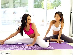 naked bombshells Alina Li and Adriana Chechik doing hook-up yoga