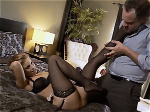 Nylons Sn five Britney Amber wears uber-sexy tights as she screws