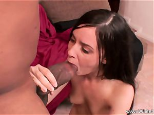 Deep bbc drilling For black-haired mummy