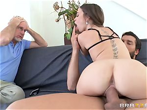 Mean wifey Riley Reid takes it deep in front of her hubby