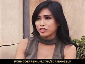 SCAM ANGELS - Melissa Moore and warm buddies in four-way