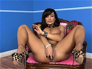 gorgeous Lisa Ann jams her faux-cock deep in her moist coochie