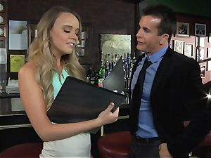 Alexis Adams penetrates the manager in the bar
