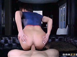 Frustrated Jennifer milky rails Bill Bailey for a super-fucking-hot facial cumshot