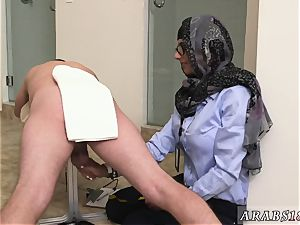 Arab wife ass first time black vs white, My Ultimate dick challenge.
