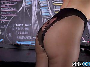 Mature platinum-blonde Julia Ann teasing