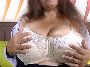 LATINCHILI Rosaly is milking her fat brazilian granny