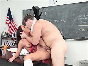 Amara Romani is stuffed by the professor across his desk