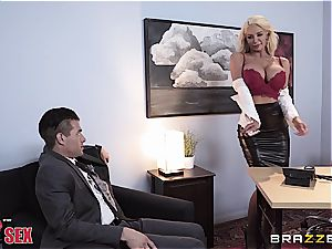 sensual blond wiggles her curves on the boss'cock