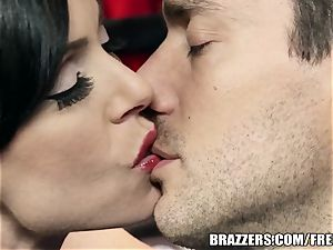 Brazzers - Kendra fervor takes what she wants