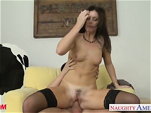 Stockinged mommy India Summers gets screwed and facialized