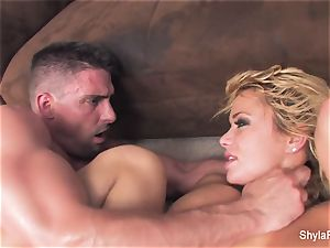 blondie mummy Shyla gets a hard-core plumb and a facial