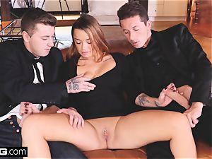 Glamkore - dark-haired euro stunner in double penetration threesome