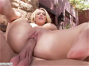 lewd huge-chested ash-blonde Kagney Linn Karter gets penetrated outdoor