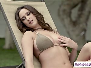 babe Ashley Adams loves eating fantastic Blair Williams raw twat