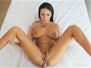 Milfy mother Anissa Kate poked deep in her fuckbox pie