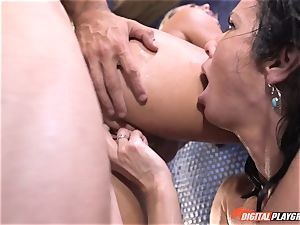 Veronica Avluv gets involved with her stepdaughters ultra-kinky hump idea