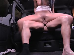 boned IN TRAFFIC - nasty Daphne Klyde backseat penetrate