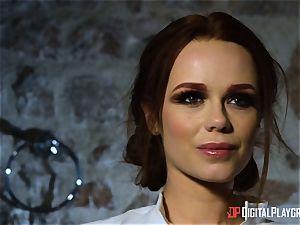 Monster meatpipe for magnificent brunettes poon fuckhole Ella Hughes