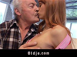 Oldman Gustavo happy to pummel wondrous Erica Fontes